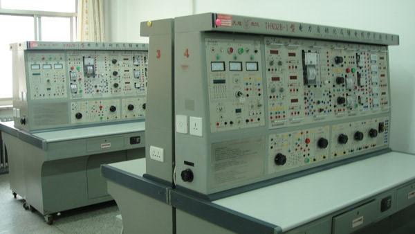 保护电力系统及其元件(发电